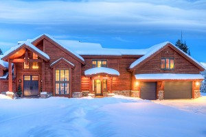 Big Sky Vacation Rentals | Private Luxury Homes :: Luxury homes one hour from Yellowstone! Winter ski access to 5800+ acres of skiable terrain at Big Sky. Summer activities include hiking, rafting, zip lines, swimming and more