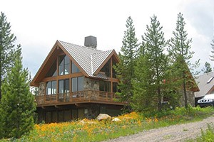 Mountain Home - Big Sky Home rentals :: Private rental lodges, homes & cabins throughout the Big Sky/Yellowstone region. Recognized by Conde Nast Traveler as one of the best rental agencies in the world.